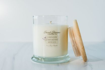 Picture of Sweet Streams Lavender Signature Glass Candle